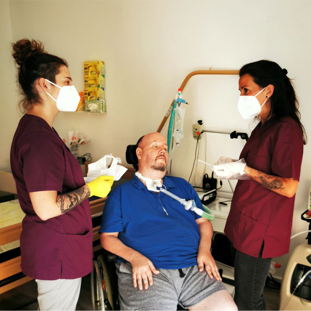 Neco-Pflege Patientenbetreuung